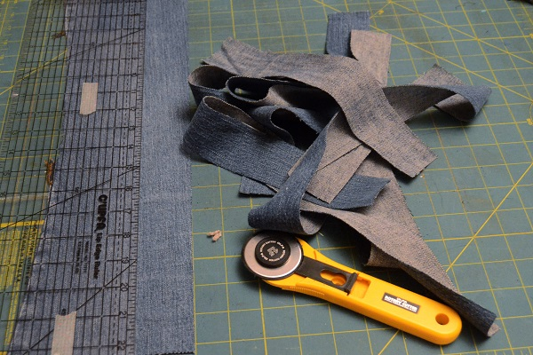 Tutorial: Recycled jeans messenger bag with a jeans hem flap